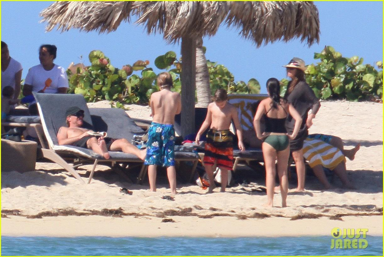 jon bon jovi shirtless sunbathing in st barts 05