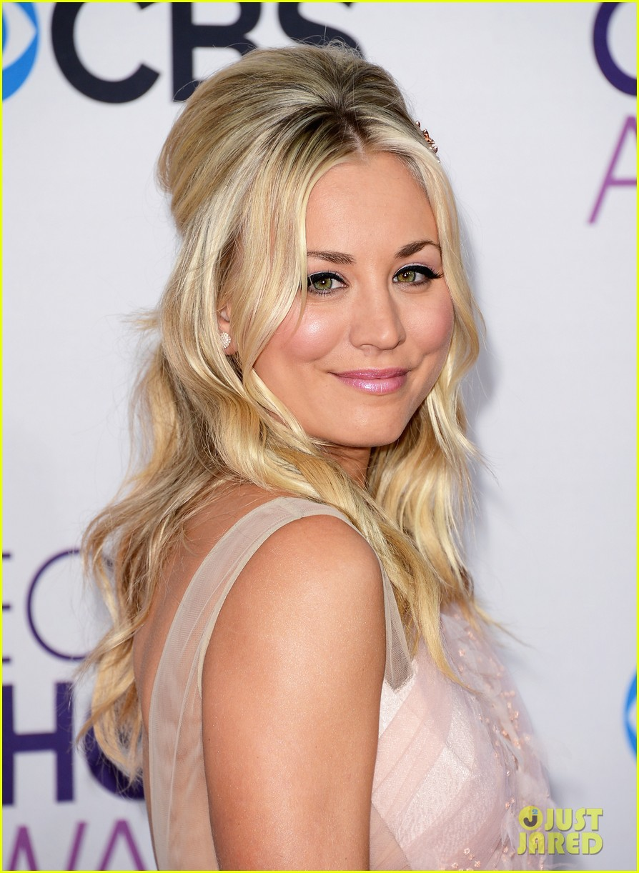 kaley cuoco peoples choice awards 2013 042787709