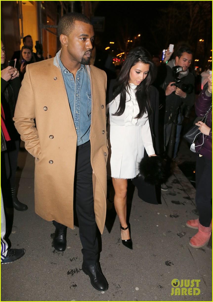 kanye west kim kardashian balenciaga shoppers 08
