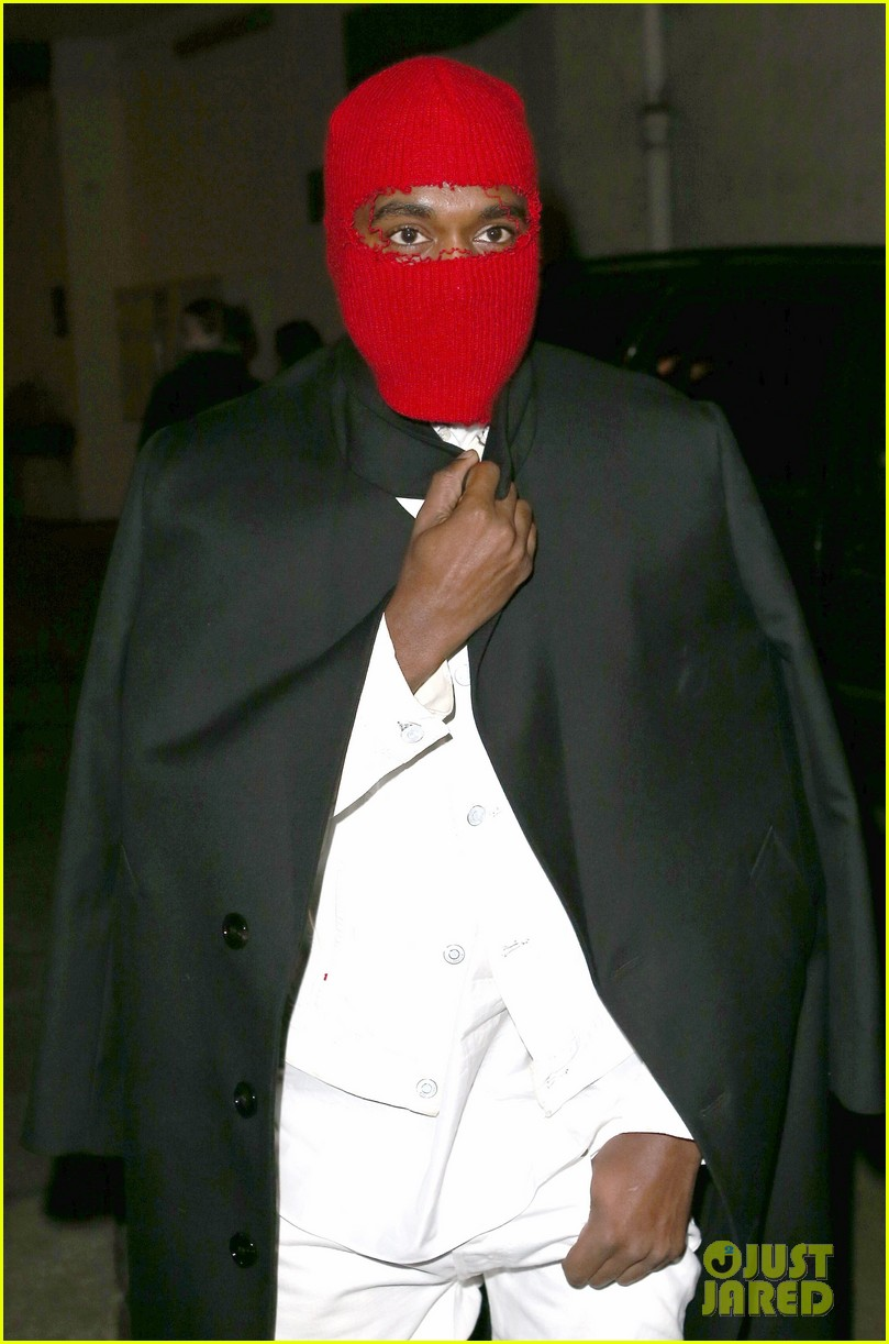 kim kardashian heads to dinner kanye west is super cold 09