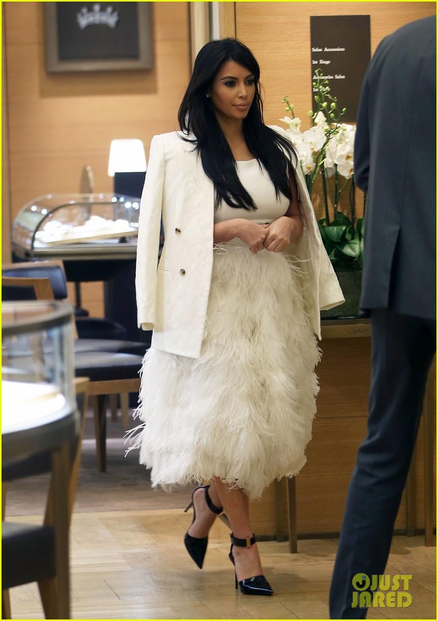 kim kardashian kanye west day off in paris 08