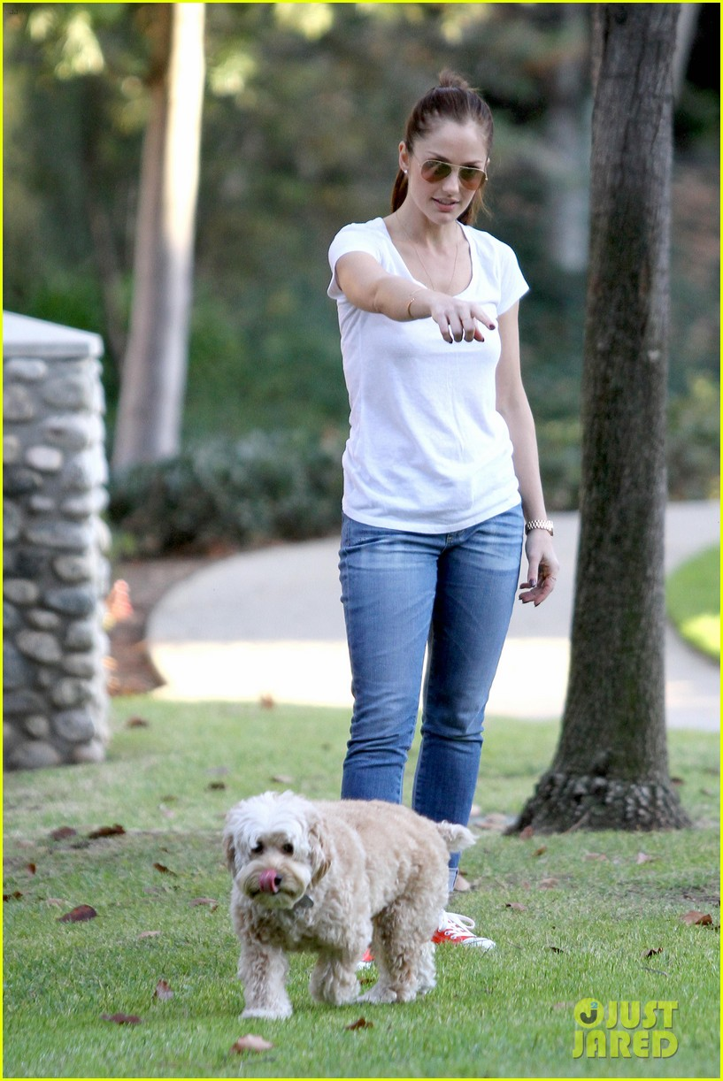minka kelly dog park fun with chewy 24