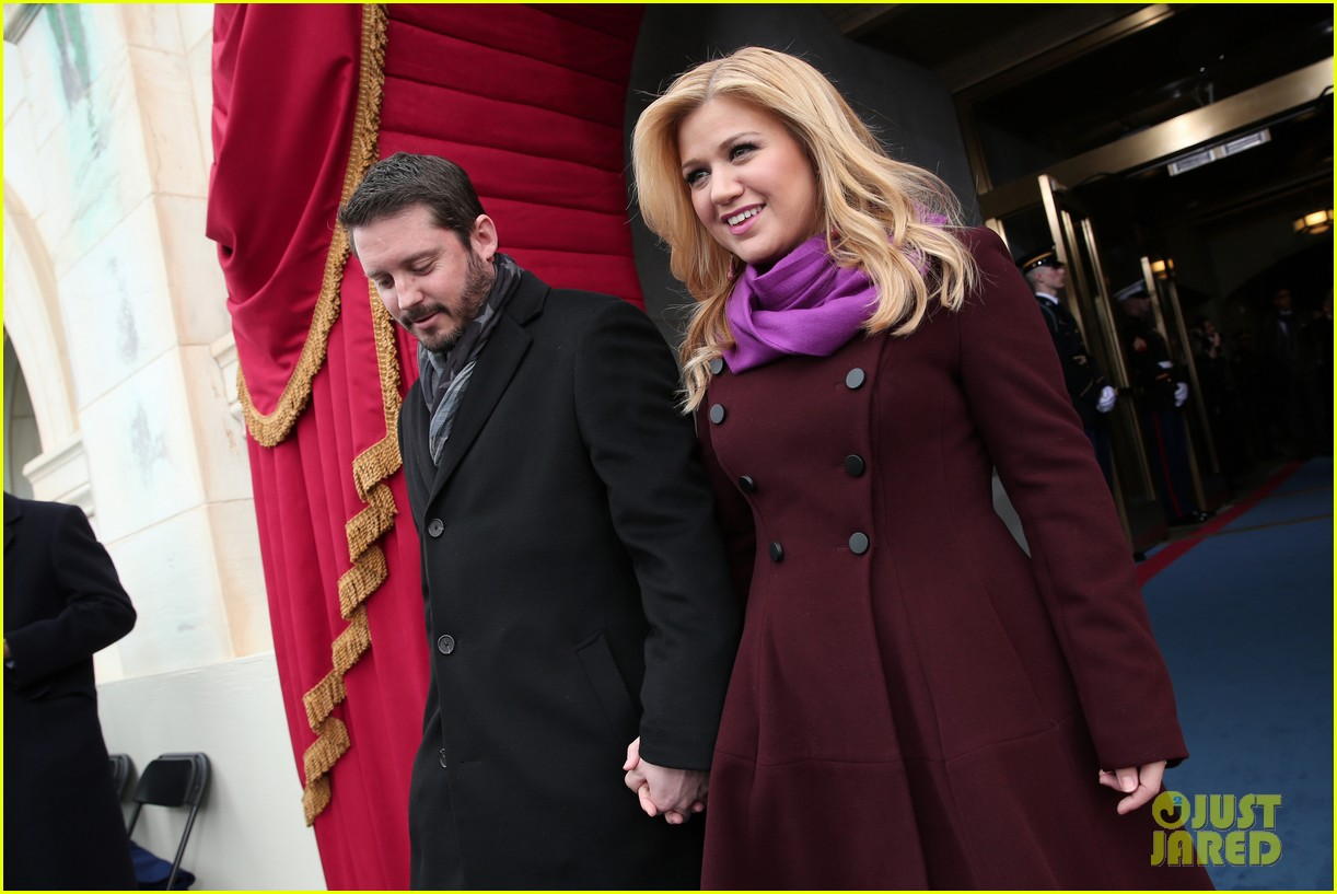 kelly clarkson inauguration performance watch now 01