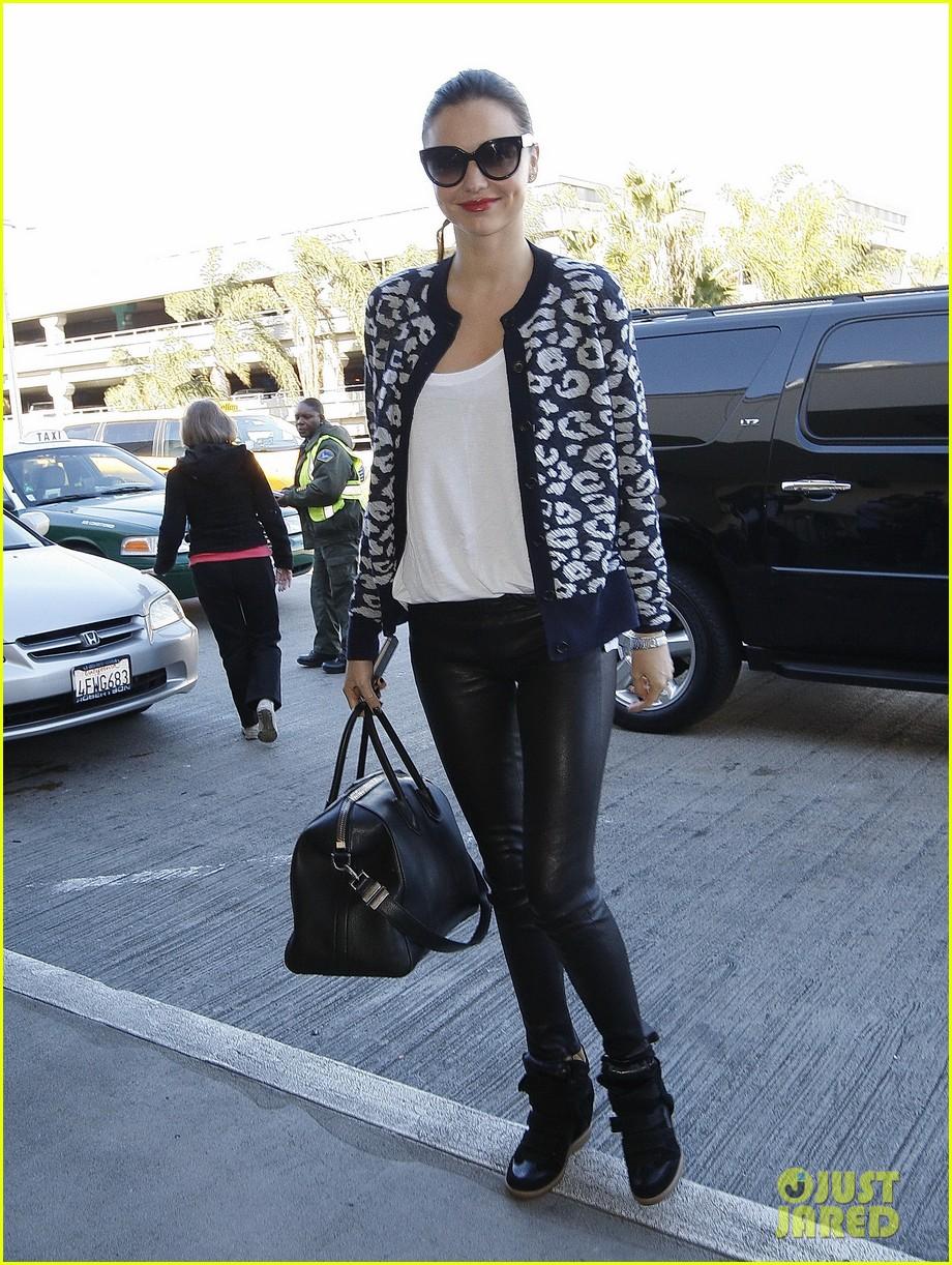 miranda kerr fashionable airport arrival 11