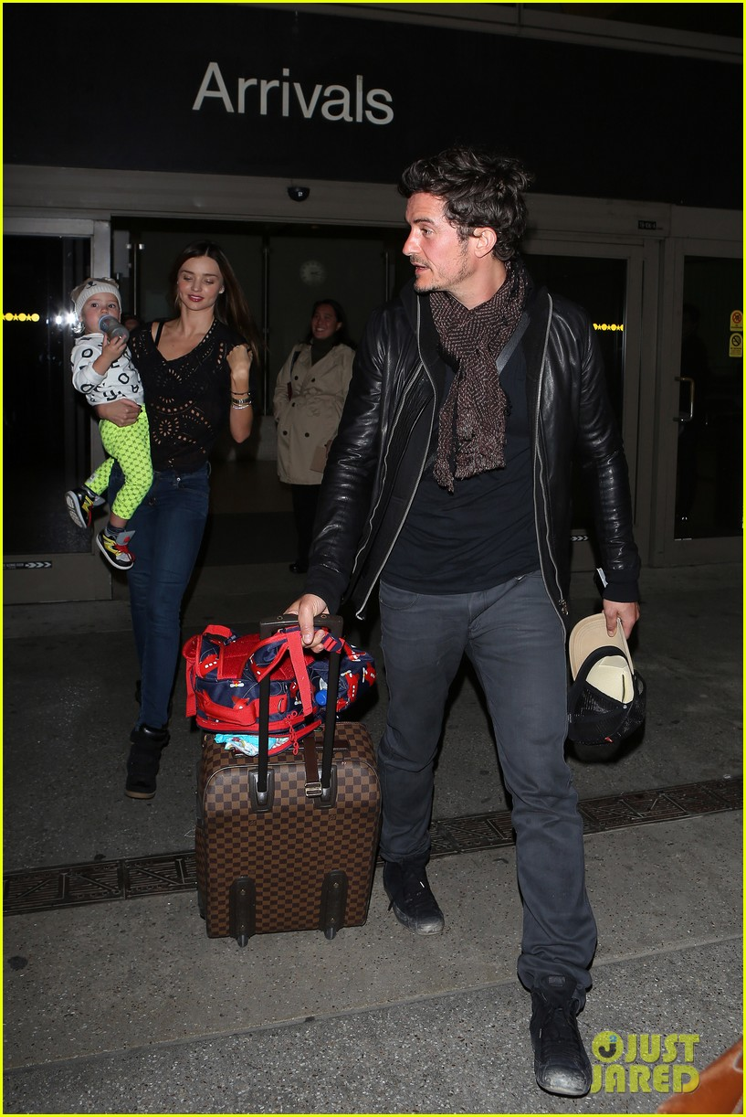 miranda kerr orlando bloom leave cancun for la 012800011