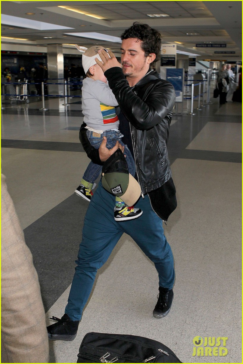 miranda kerr orlando bloom flynn family flight 16