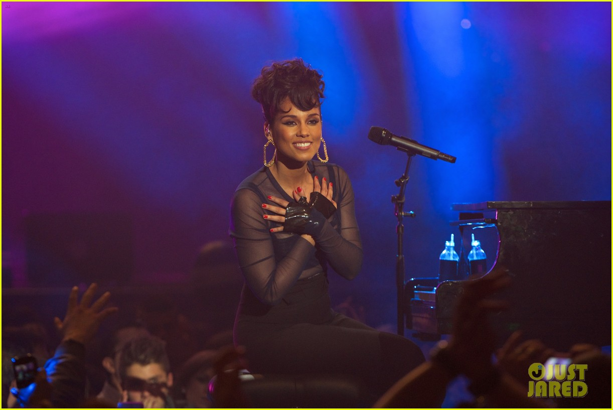alicia keys 40 principales awards performance watch now 13