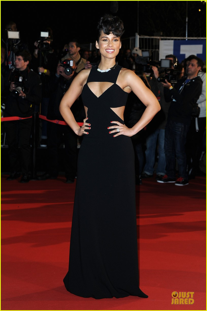 alicia keys nrj music awards 2013 red carpet 09