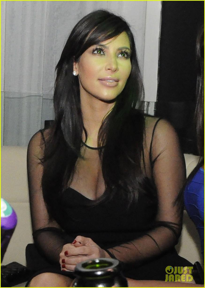 kim kardashian kourtney kim take miami premieres tonight 02