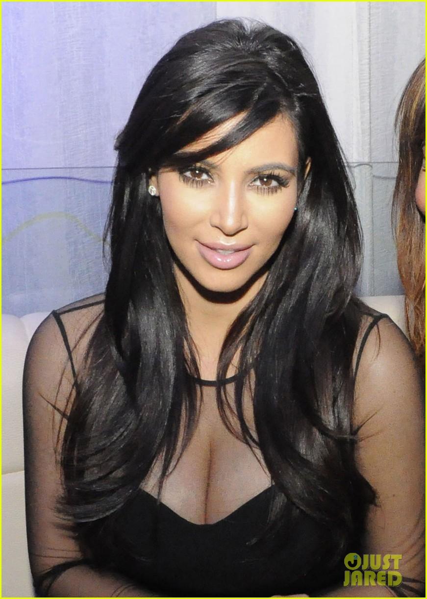 kim kardashian kourtney kim take miami premieres tonight 04