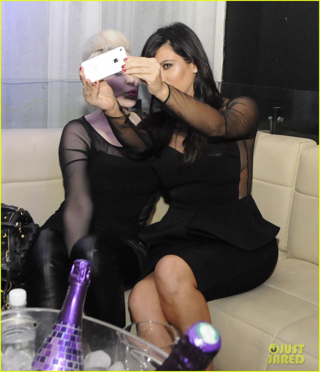 kim kardashian kourtney kim take miami premieres tonight 08