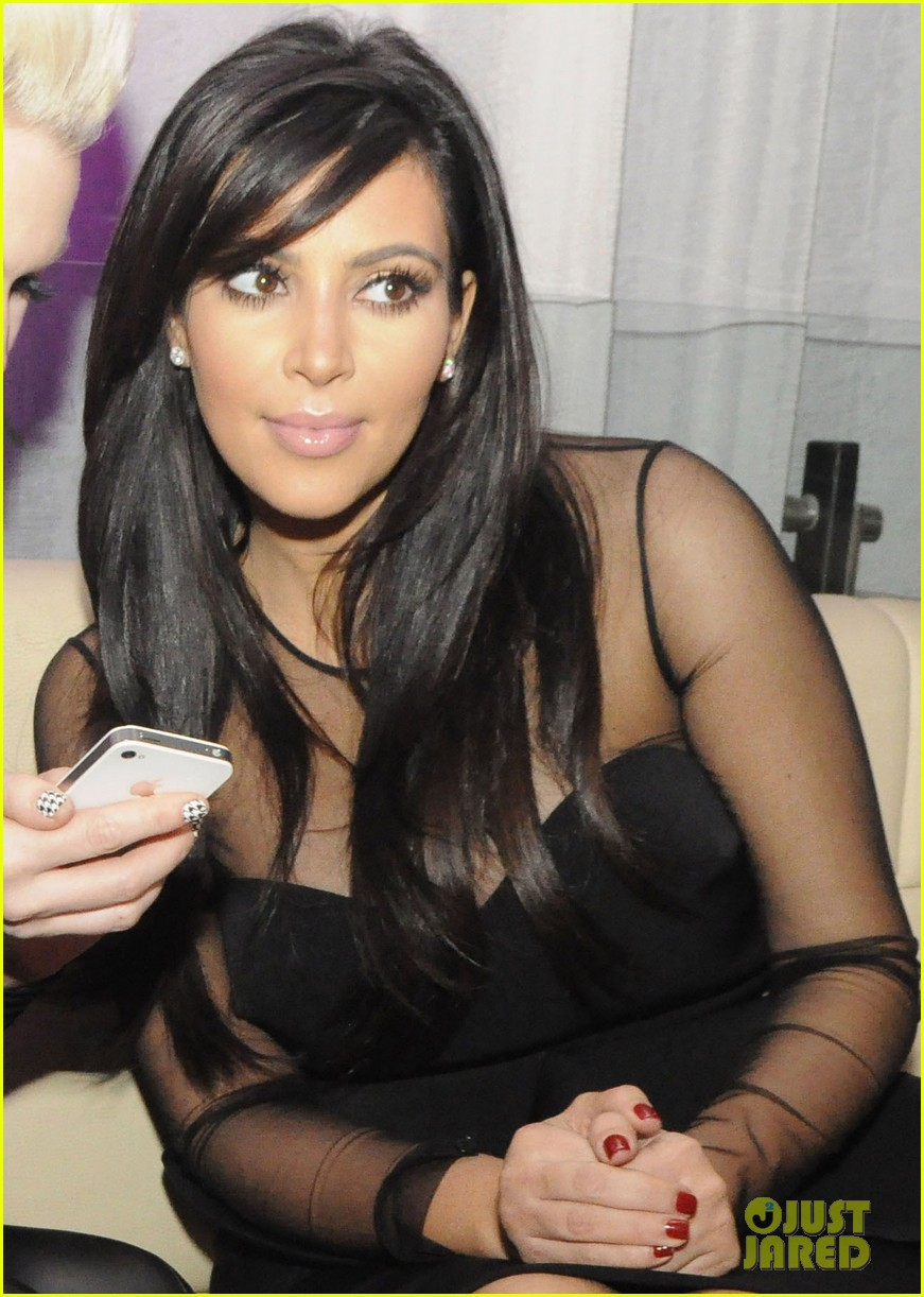 kim kardashian kourtney kim take miami premieres tonight 19