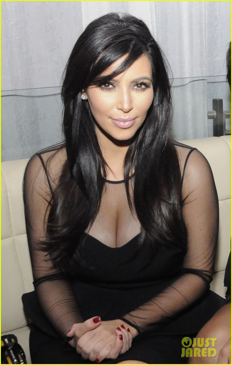 kim kardashian kourtney kim take miami premieres tonight 202795438