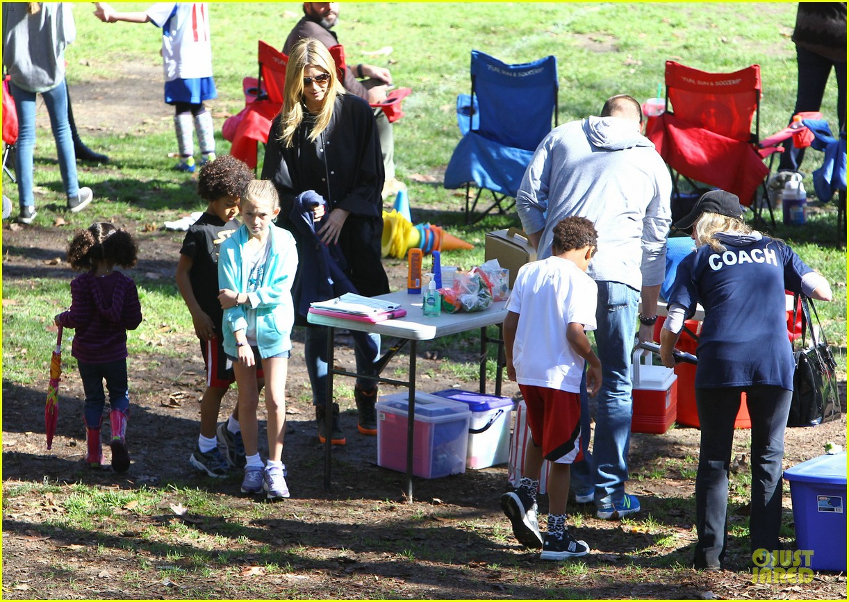 heidi klum martin kirsten swinging saturday with the kids 072799000