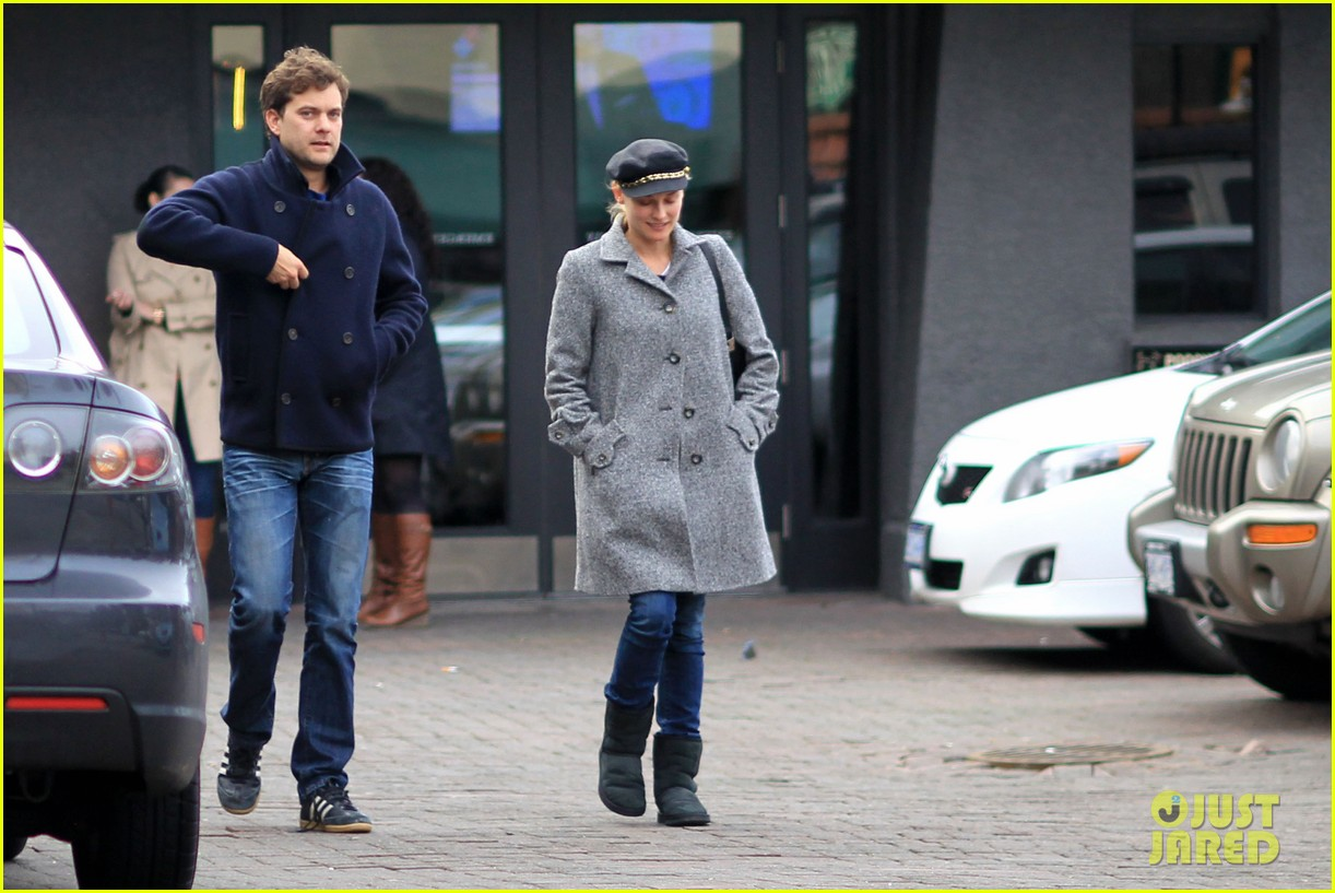 diane kruger joshua jackson football sunday 04