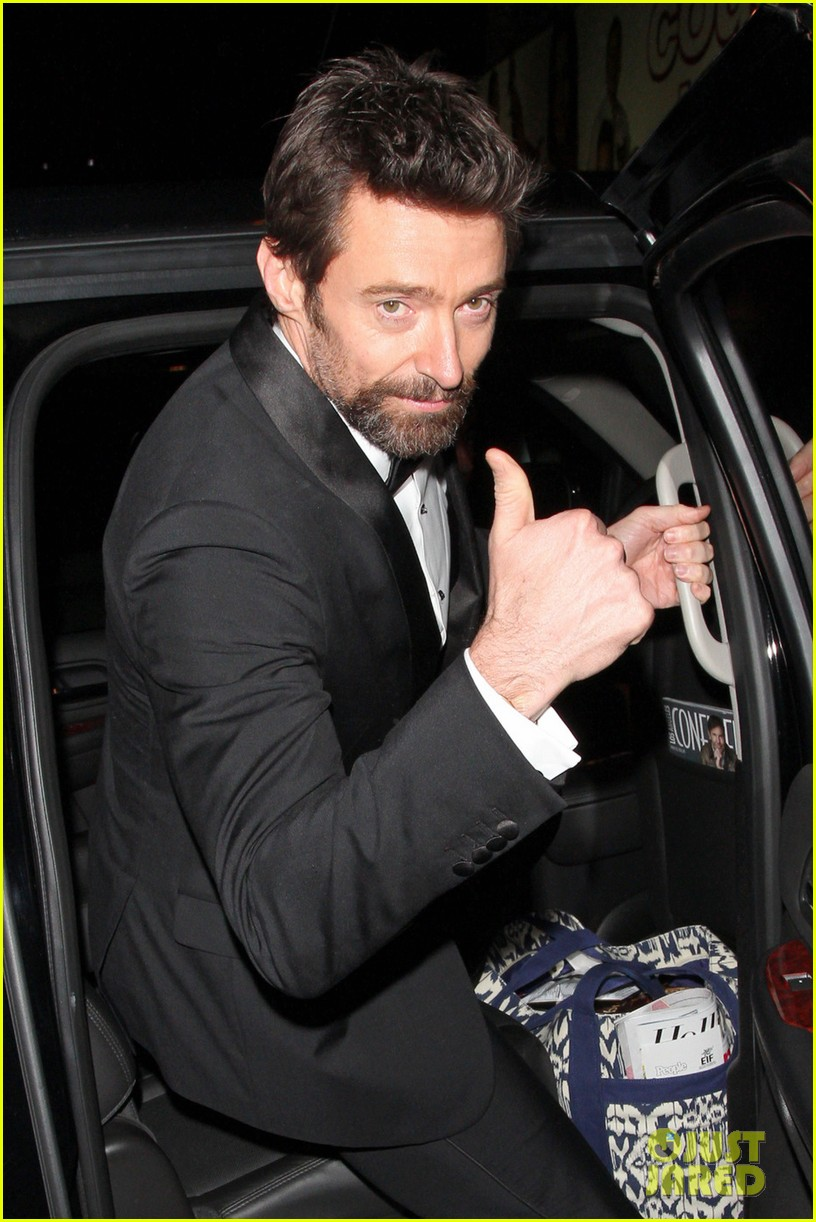 les miserables cast applauds ben affleck at post sags dinner exclusive 09