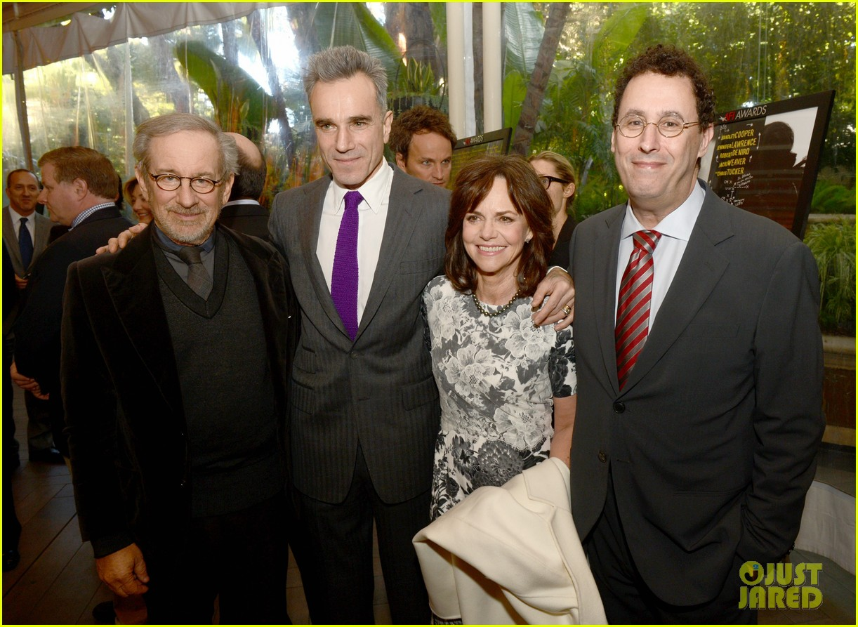 daniel day lewis sally field lincoln cast at afi awards 2013 082789239