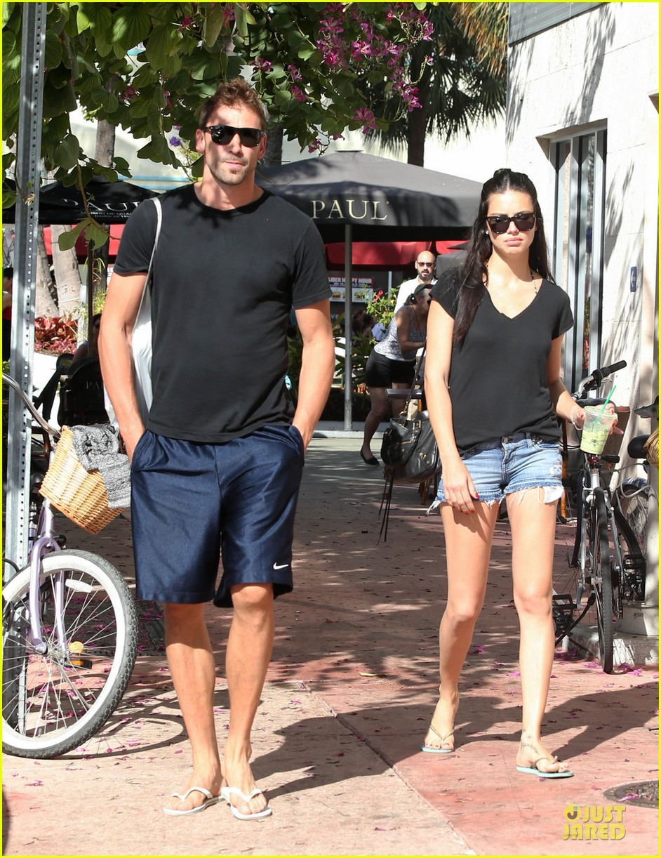 adriana lima chilling with husband marko jaric 062785230