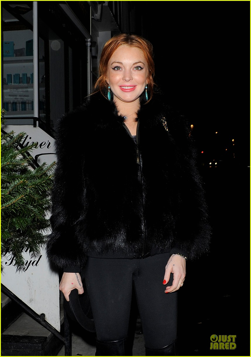 lindsay lohan nazomi restaurant dinner with pals 062784101