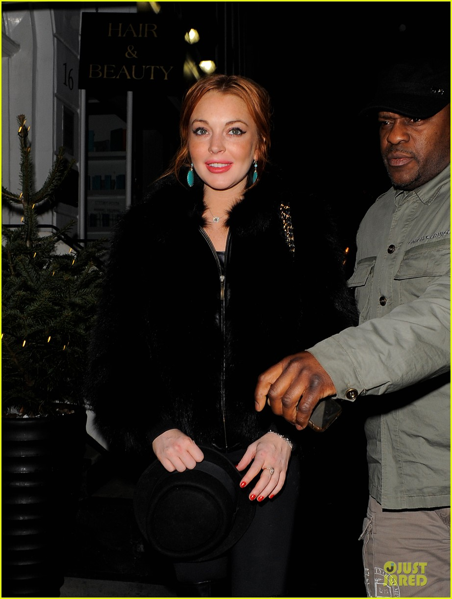 lindsay lohan nazomi restaurant dinner with pals 082784103