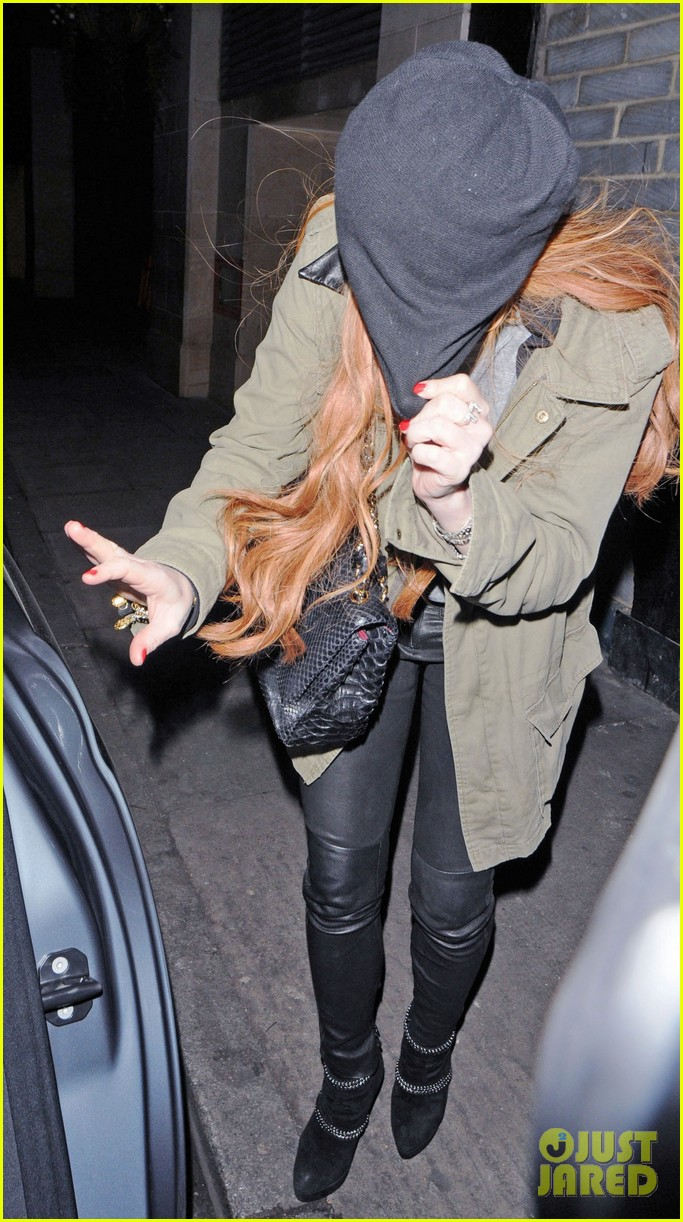 lindsay lohan rose club covert departure 07