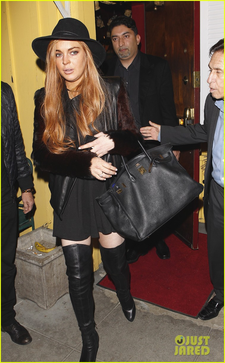 lindsay lohan dan tana dinner with lawyer mark heller 06