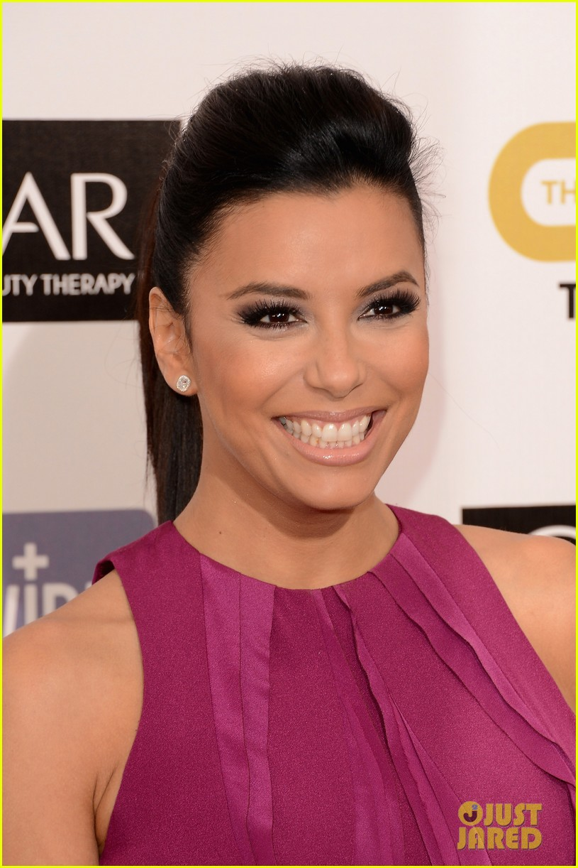 eva longoria critics choice awards 2013 red carpet 02