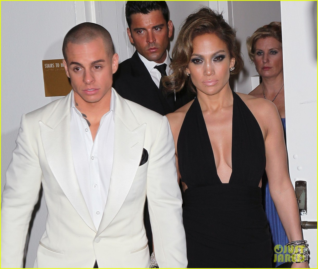 jennifer lopez casper smart golden globes parties 2013 10