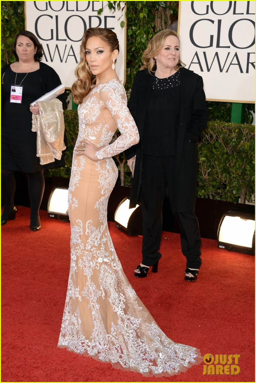 jennifer lopez golden globes 2013 red carpet 01