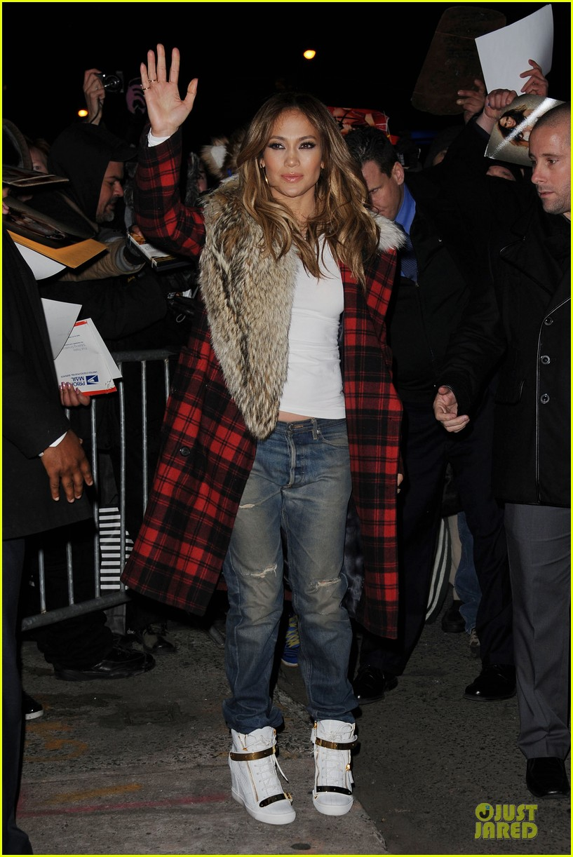 jennifer lopez the daily show with jon stewart appearance tomorrow 10