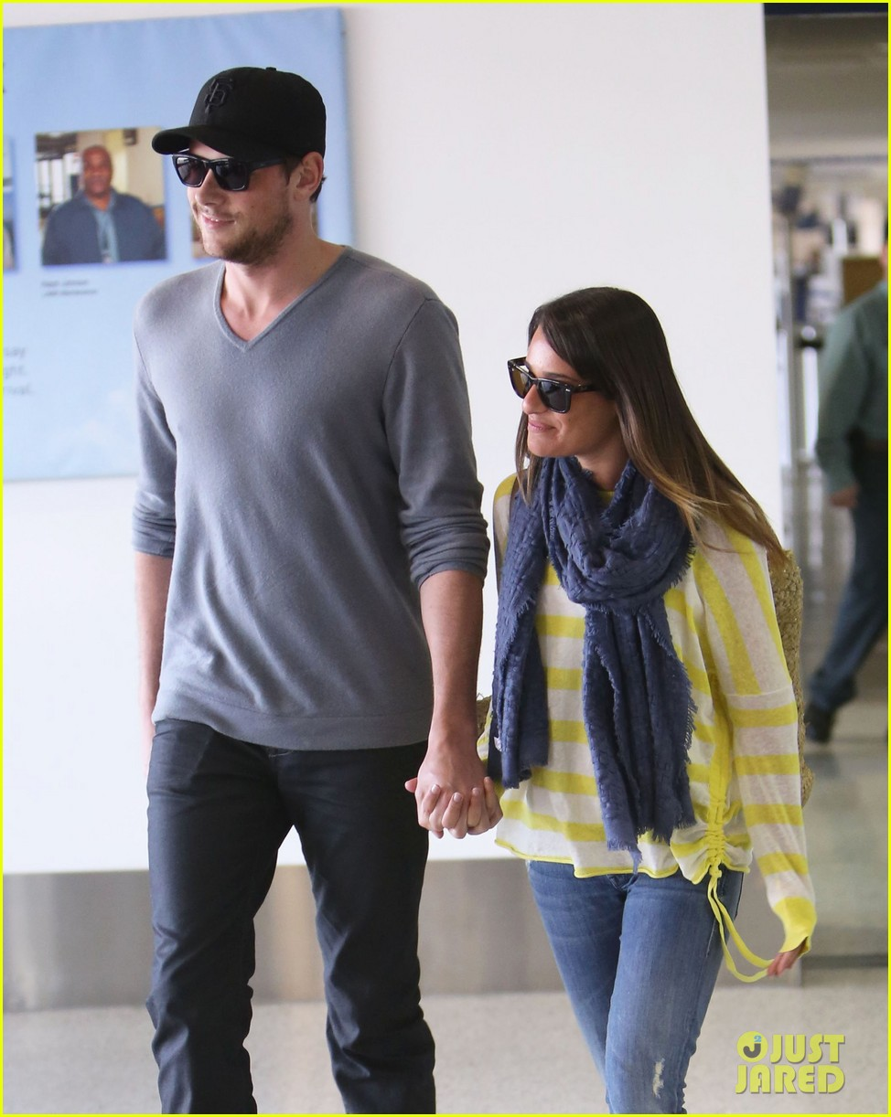 lea michele cory monteith holding hands at lax 16