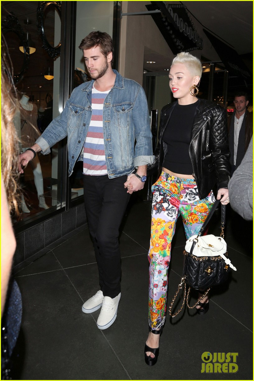 miley cyrus liam hemsworth noah cyrus birthday bash 062787483