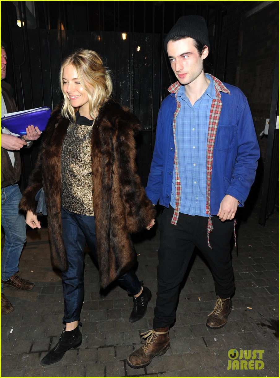 sienna miller tom sturridge no quarter press night 01