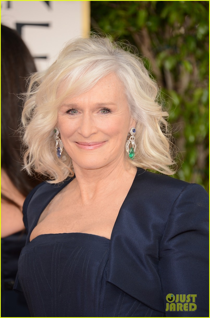 helen mirren glenn close golden globes 2013 red carpet 09