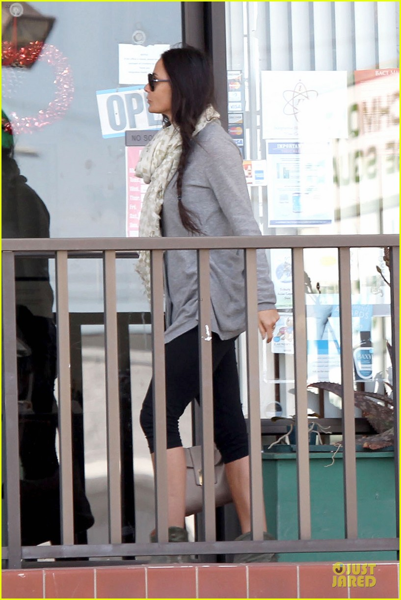 demi moore sherman oaks workout woman 20