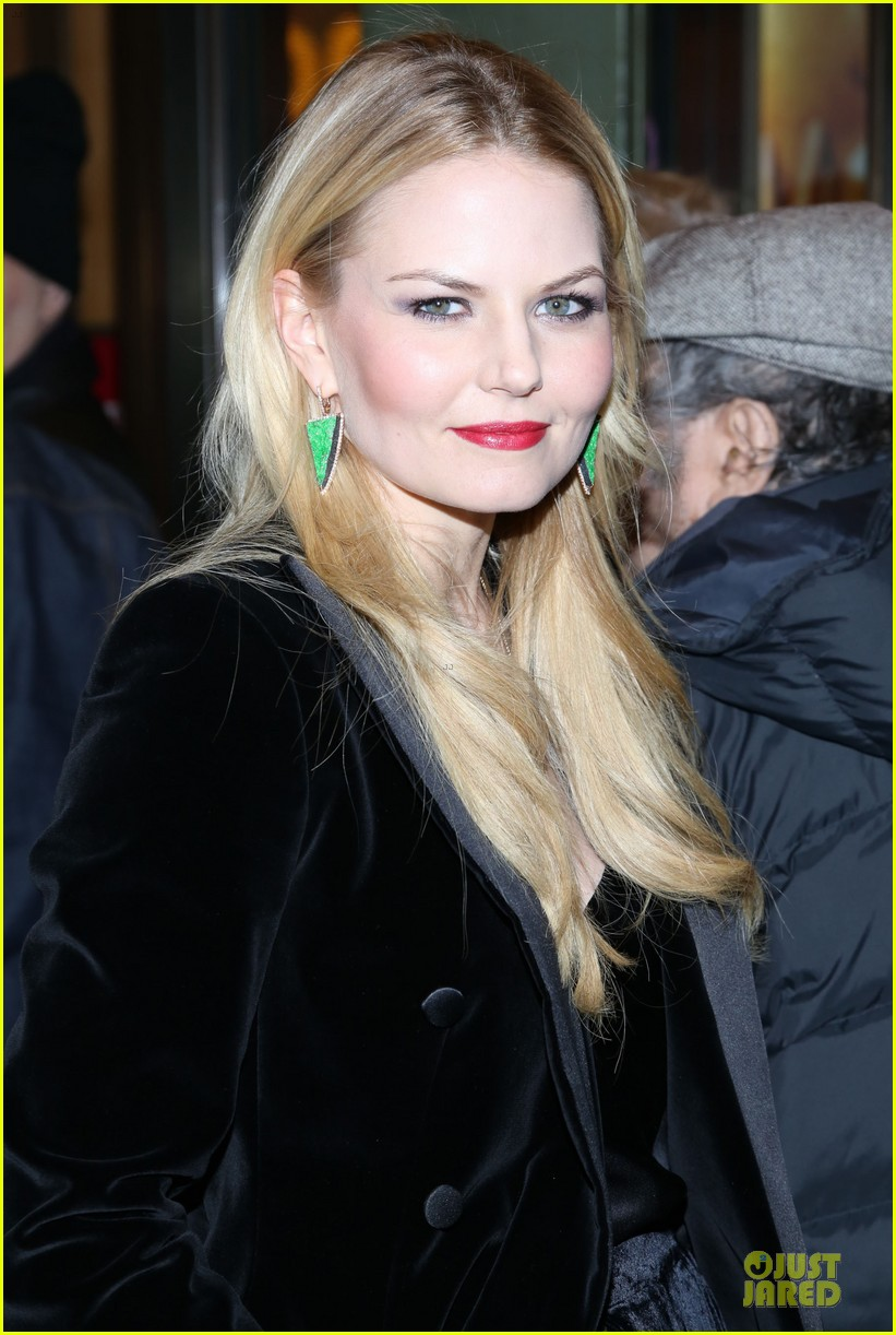jennifer morrison chace crawford picnic opening night 11