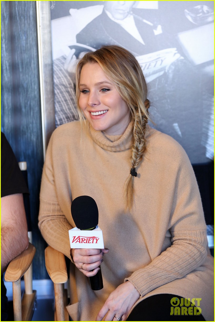 elisabeth moss kristen bell shine at sundance 04