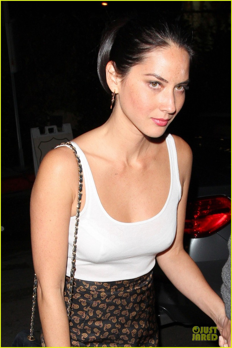 olivia munn joel kinnaman friday night at chateau marmont 02