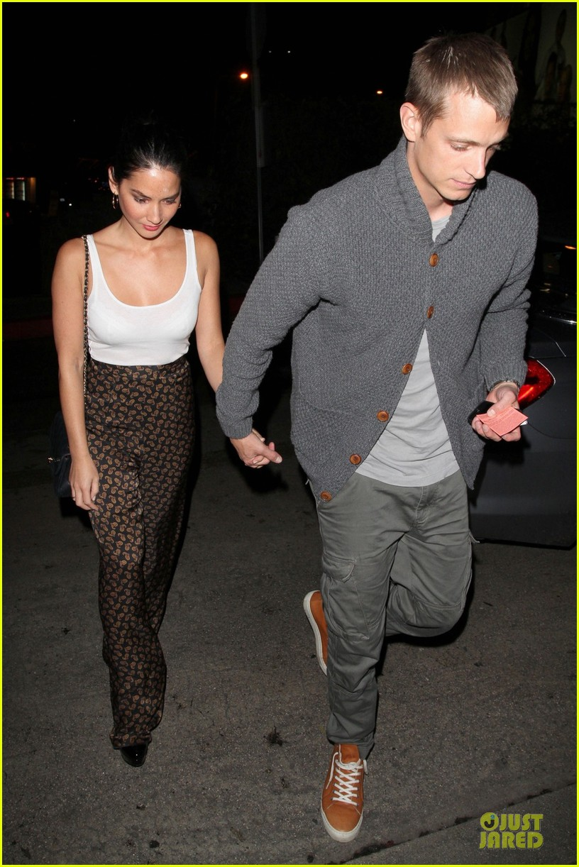 olivia munn joel kinnaman friday night at chateau marmont 03