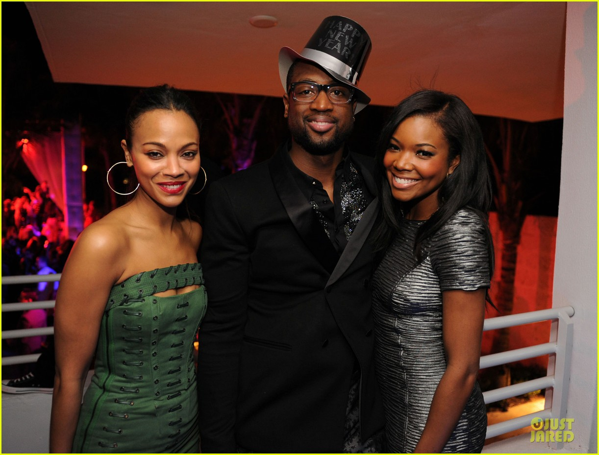zoe saldana & gabrielle union new years eve countdown in miami 04