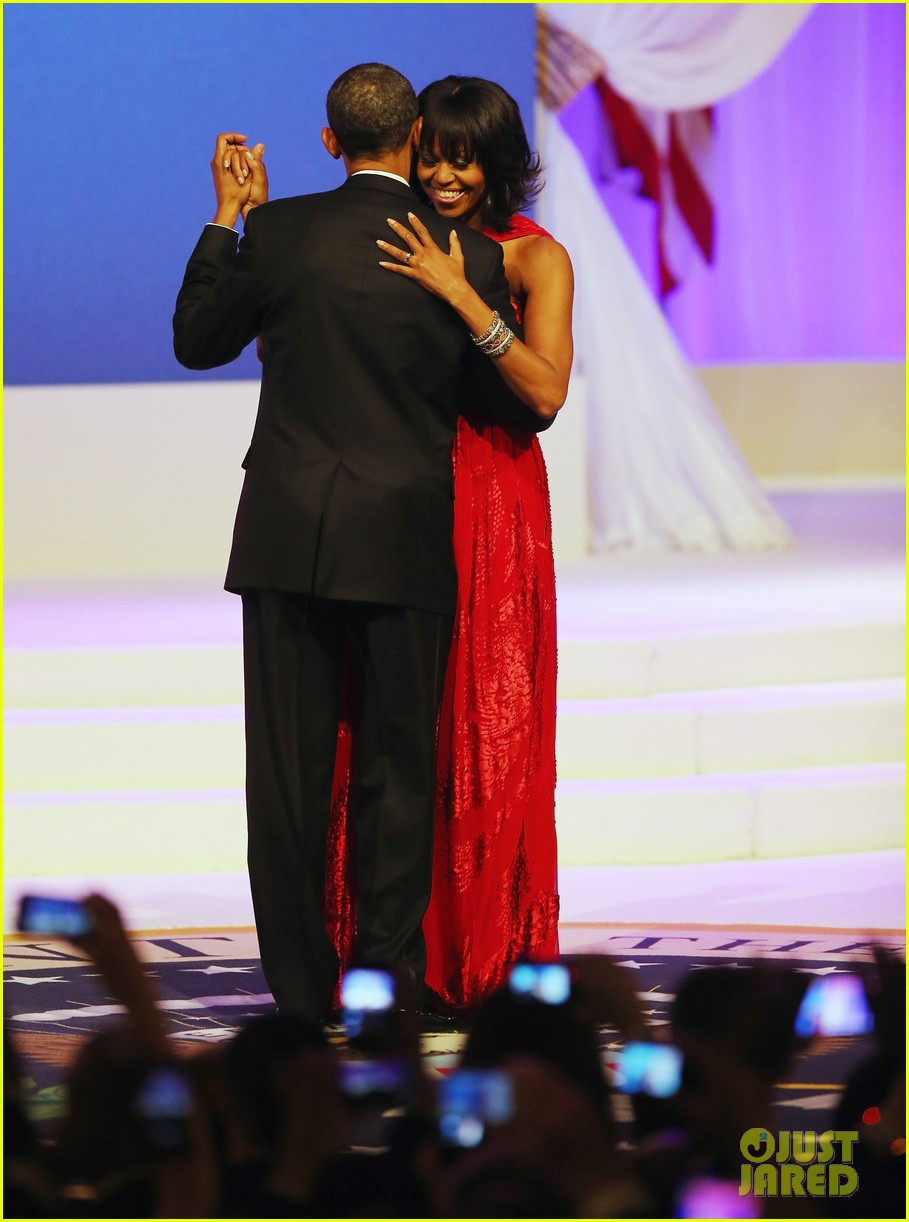 president barack obama michelle inaugural ball dance video 032796405