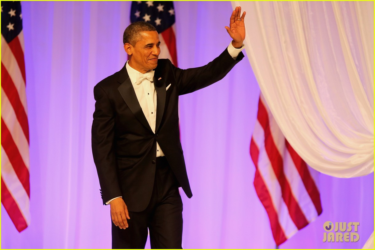 president barack obama michelle inaugural ball dance video 042796406