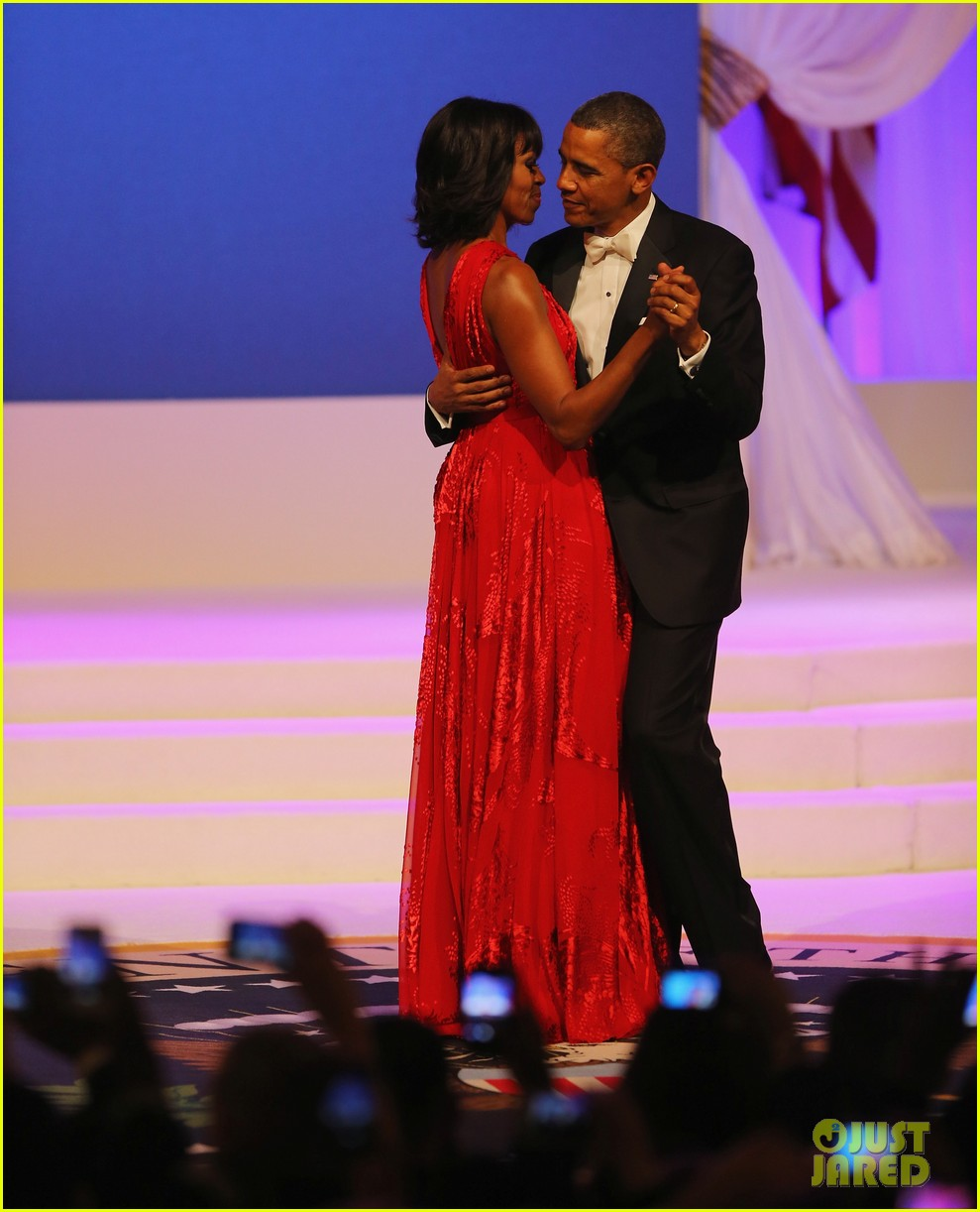 president barack obama michelle inaugural ball dance video 09