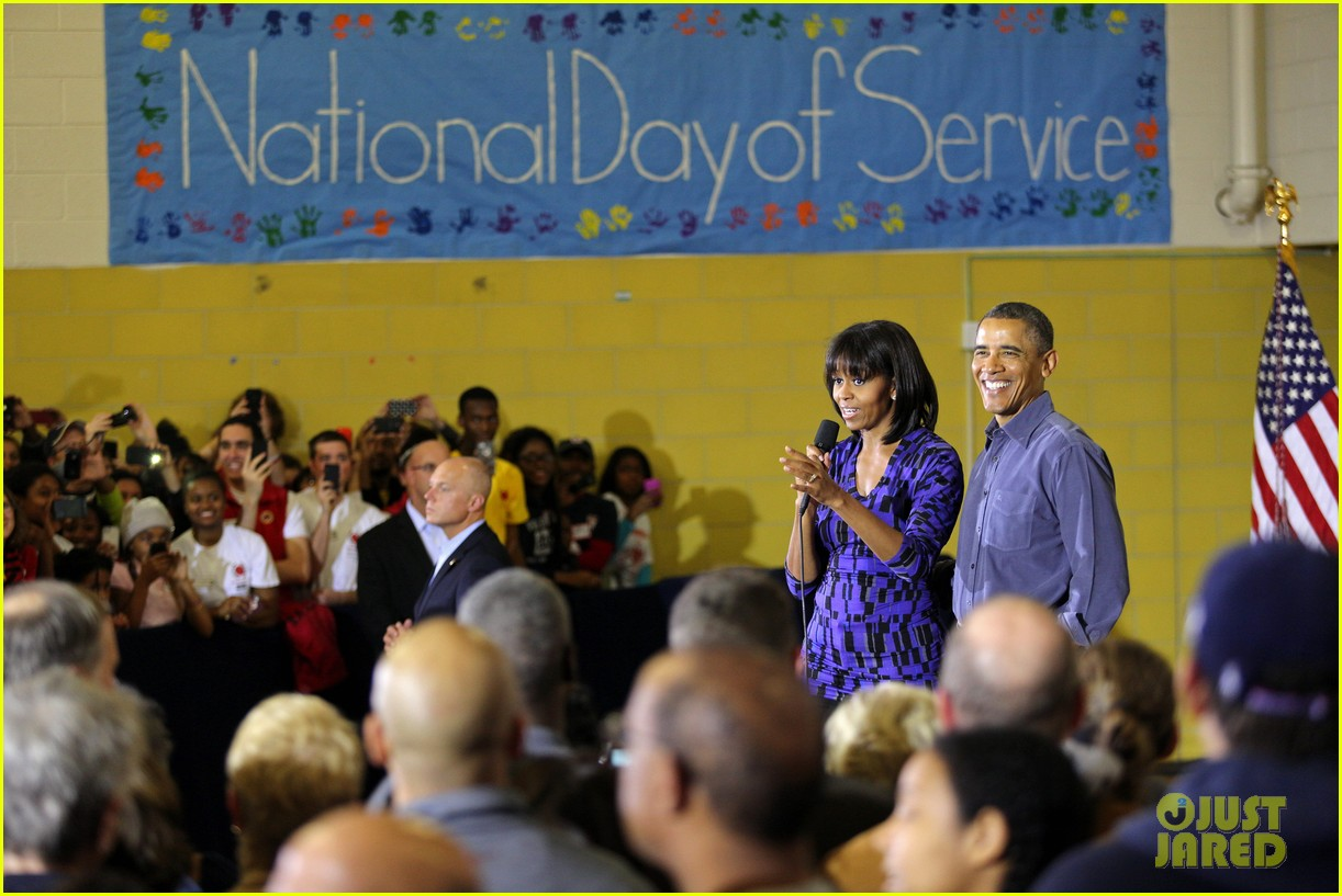 barack obama national day of service with michelle 02