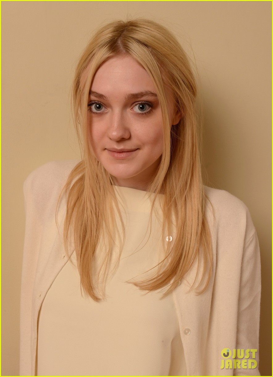 elizabeth olsen dakota fanning sundance portraits 14