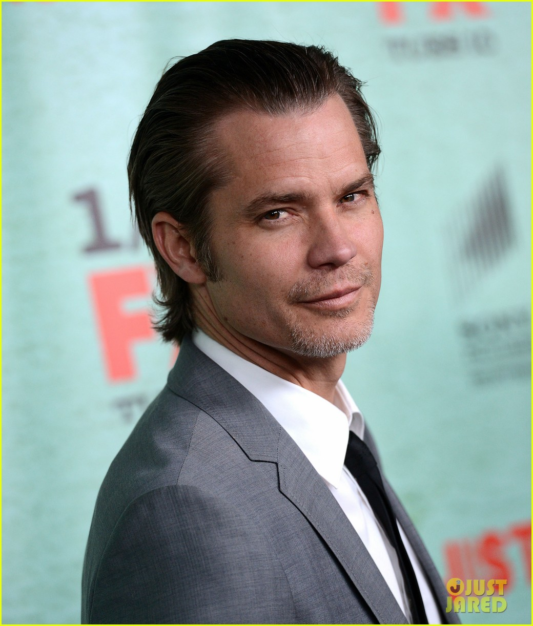 timothy olyphant joelle carter justified season four premiere 022785542