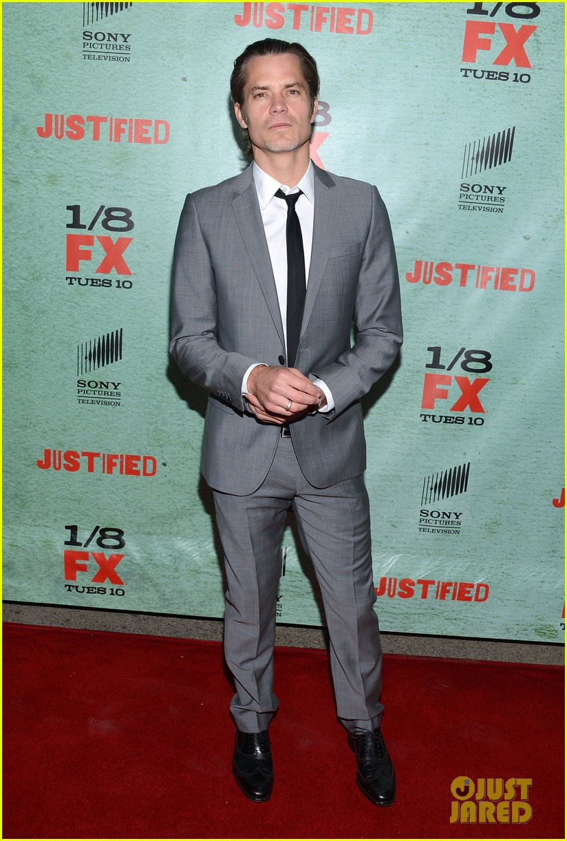 timothy olyphant joelle carter justified season four premiere 13