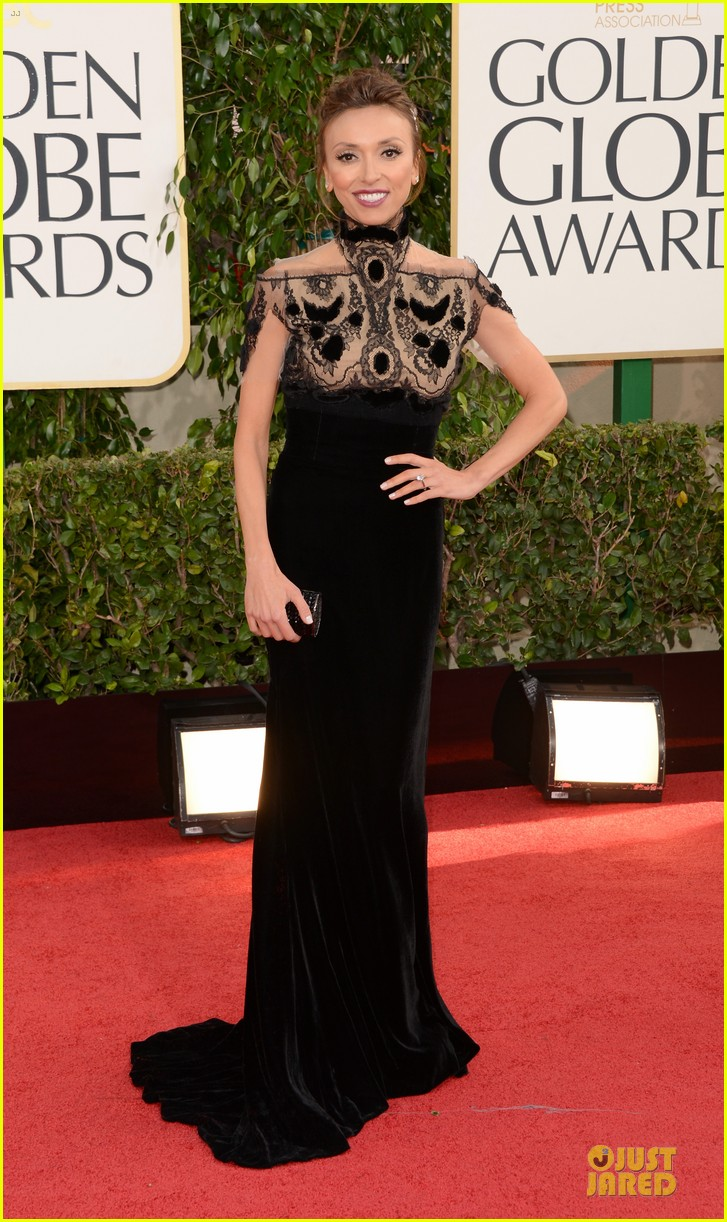 kelly osbourne giuliana rancic golden globes 2013 red carpet 03