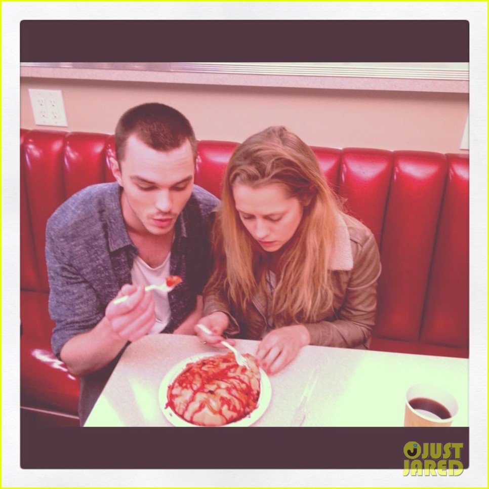 newly single teresa palmer eats brains with nicholas hoult 01