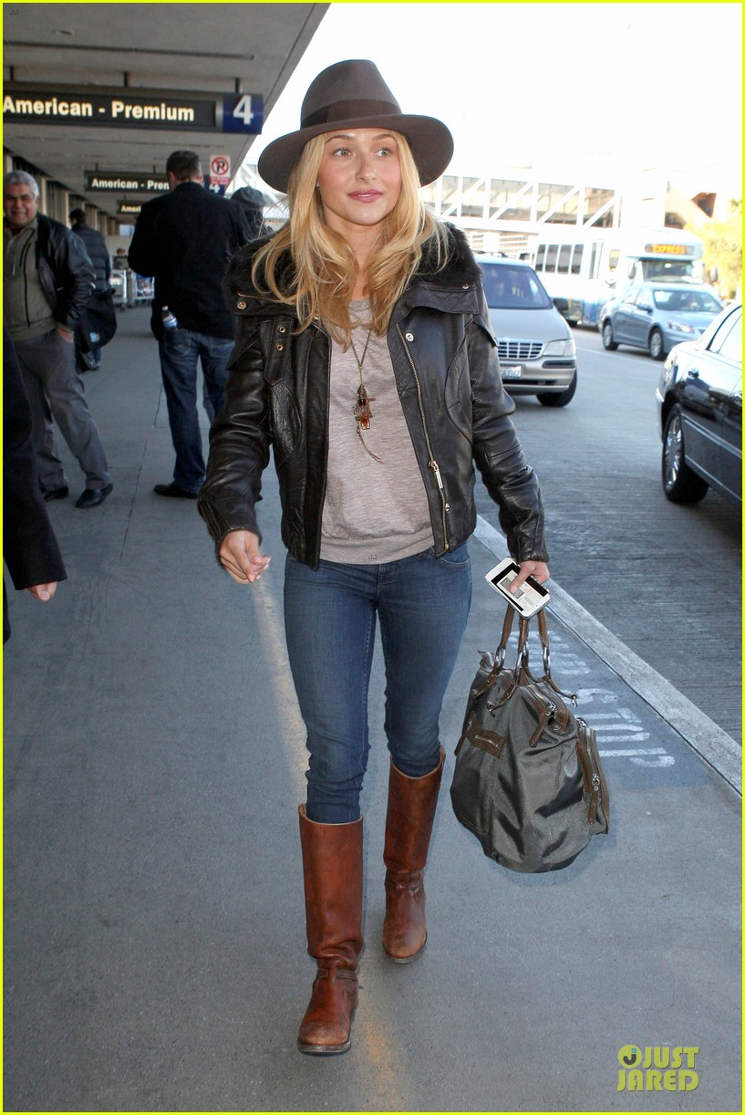 hayden panettiere post golden globes los angeles departure 07